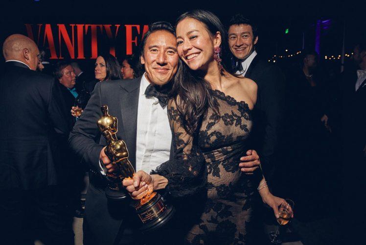Элизабет Чай Васарелии (Elizabeth Chai Vasarhelyi) и Джимми Чин (Jimmy Chin) на церемонии вручения Оскар в 2019 году