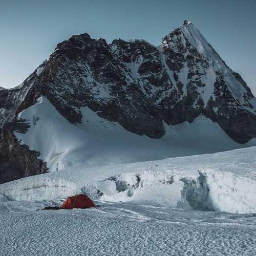 Лагерь 1 на перевале Лхо-Ла. Фото Jost Kobusch
