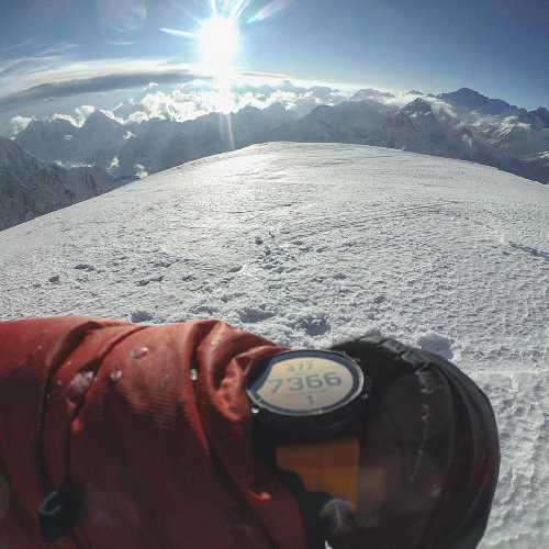 На отметке 7366 метров на Западном гребне Эвереста. Фото Jost Kobusch