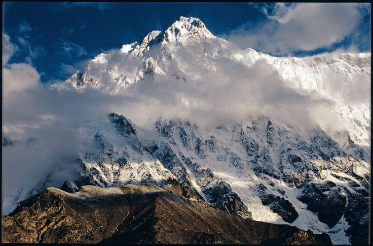 маршрут по центральному контрфорсу стены Рупал на Нангапарбат (Nanga Parbat, 8126 м)— девятом по высоте восьмитысячнике мира