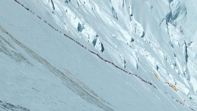 Очередь на Эверест в сезоне 2012 года