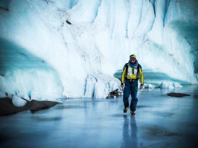 Алекс Тикон (Alex Txikon) в базовом лагере Эвереста. Фото Alex Txikon