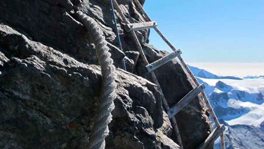 старые веревочные лестницы Эшель Джордан (Échelle Jordan) на Маттерхорне. Фото Stefano Jeantet / Società delle Guide del Cervino