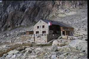 C 11 мая Швейцария открывает горы и скалодромы
