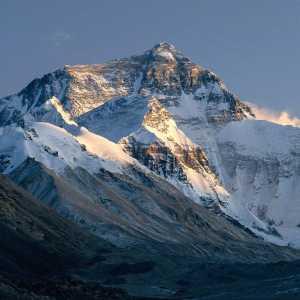 На Эвересте плохая погода: китайская команда сошла вниз с отметки 8300 метров