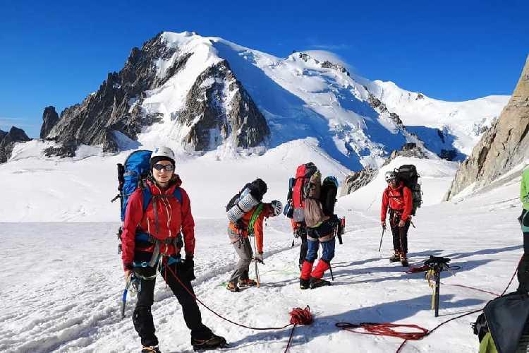 альпіністські збори в непопулярному куточку Шамоні