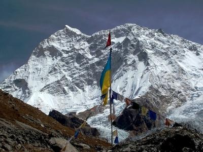 Этот день в истории: 23 мая 2010 года команда Национальной украинской гималайской экспедиции стояла на вершине восьмитысячника Макалу