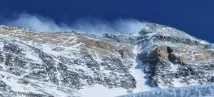 Первые альпинисты на вершине Эвереста в 2020 году!
