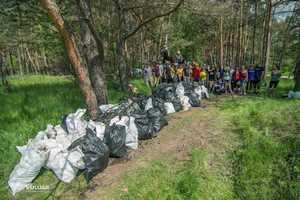 Украинские туристы и альпинисты провели эко-акцию по уборке Коростышевского карьера от мусора