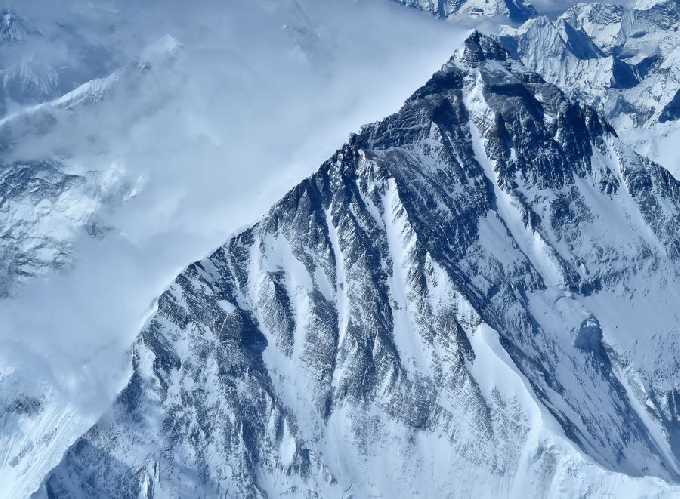 Эверест в аэрофотосъемке