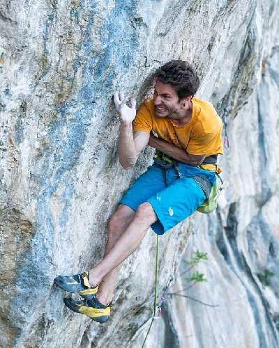 Стефано Гизольфи (Stefano Ghisolfi) на маршруте 'The Bow' категории 9a+