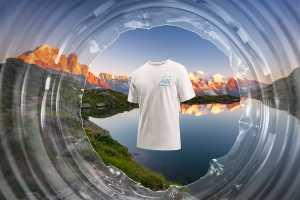 The North Face выпускает лимитированную серию футболок из переработанных пластиковых бутылок, собранных в Альпах