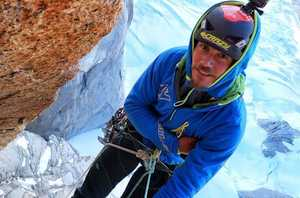 После открытия нового маршрута на Гранд-Жорас во французских Альпах, погиб профессиональный итальянский альпинист Маттео Паскето