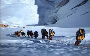 Альпинисты ждут сентября. Осенью откроется доступ к Эвересту