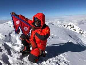 В возрасте 40 лет скоропостижно скончался один из сильнейших непальских альпинистов Чиджи Нурбу Шерпа (Chhiji Nurbu Sherpa)