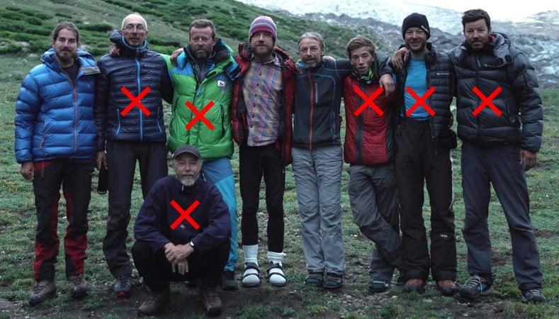Изначально по планам команды, в составе экспедиции должны были участвовать девять альпинистов. <br>В окончательном составе остаются лишь три альпиниста: Павел Коржинек (Pavel Kořínek), Йиржи Янак (Jiří Janák), Павел Бем (Pavel Bém)