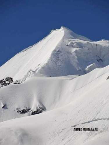 Фалак Сар (Falak Sar) высотой 5918 метров