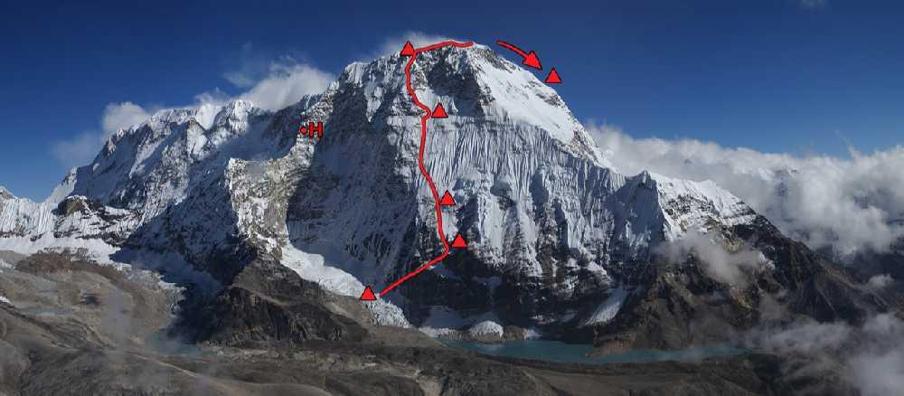 Чамланг (Chamlang, 7319 м) маршрут Марека Голечека (Marek Holeček) и Зденека Гачека (Zdeněk Háček Hák) по северо-западной стене. Фото Marek Holeček