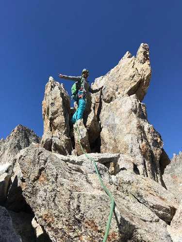 Хавьер Агилар (Javier Aguilar) в восхождении на пик Дибона (Aiguille Dibona) высотой 3131 метров