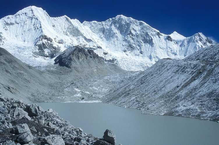 Барунцзе (Baruntse) высотой 7129 метров