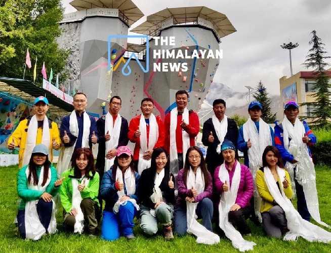 В составе команды: 14 альпинистов и 20 тибетских гидов.