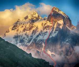 Грузинские альпинисты открыли новый маршрут на вершину горы Ушба Южная