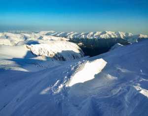 Найдовший гірський маршрут України: зимою, соло і абсолютно автономно. Проєкт Віталія Піддубняка