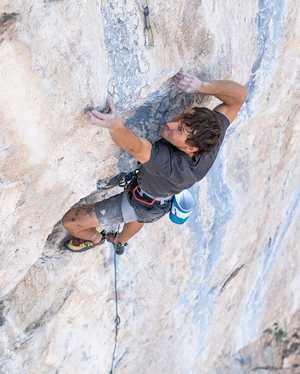 Джонатан Сигрист открывает новый маршрут категории 9а+: