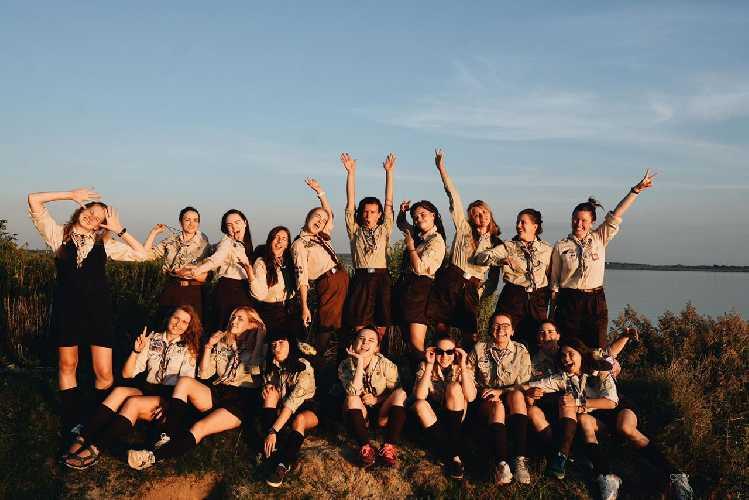 Бунтарки - це пластовий курінь, який активно розвивається і станом на зараз об'єднує 17 дівчат з різних куточків України