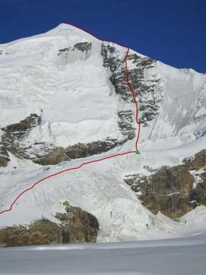Грузинский альпинист Темур Курдиани в соловосхождении открыл новый маршрут на вершину Тетнульд (4852 м)