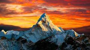 Первые иностранные альпинистские экспедиции в Непале: в планах восхождение на Ама-Даблам и Химлунг Химал