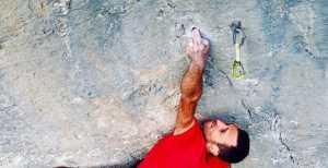 Анатоль Бозио проходит свой второй маршрут категории 9а+:
