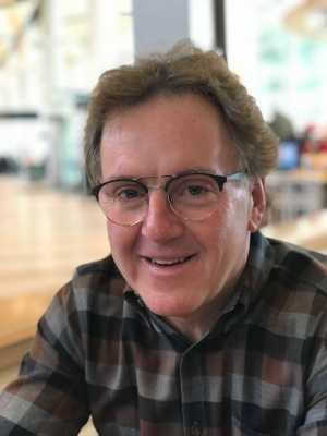 Новым главой Международного союза альпинистских ассоциаций избран канадец Петер Мьюр