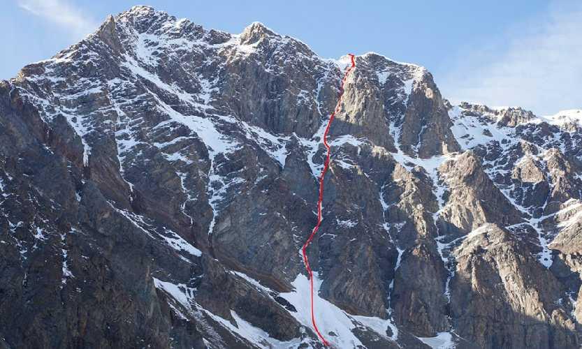 маршрут DeWilde Style. по Юго-Восточному склону безымянной вершины высотой 2820 метров. Фото  Alex Hansen