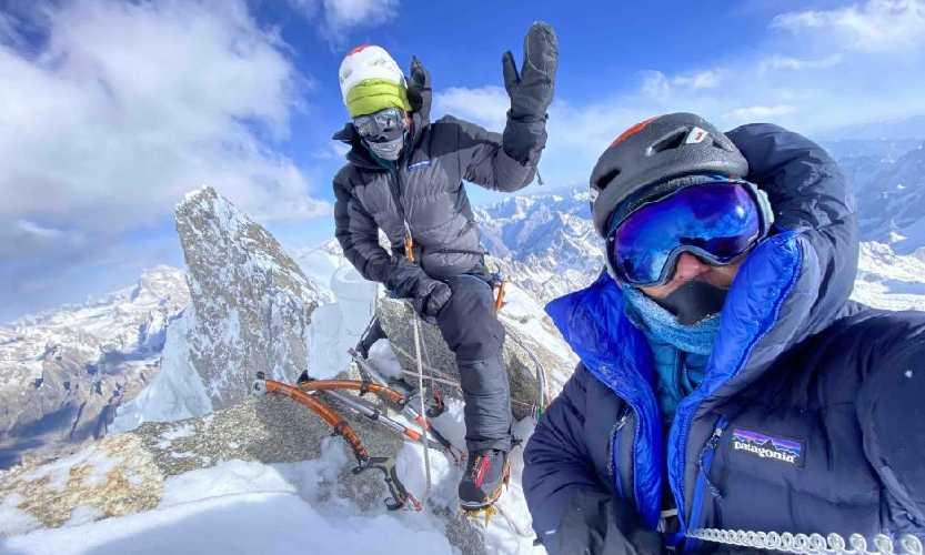 Джефф Райт (Jeff Wright) и Прити Райт (Priti Wright) на вершине К6 Центральная (K6 Central) 9 октября 2020 года. <br> Первое восхождение на пик высотой 7155 метров. Фото: Jeff Wright