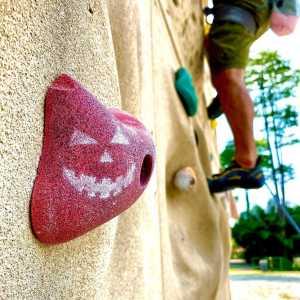 Как празднуют Хэллоуин скалолазы