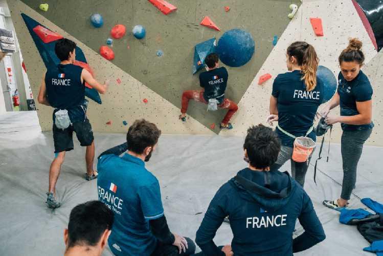 Многолетний опыт, который Ромен Дегранж передет молодім спортсенам. Фото Aurèle Bremond