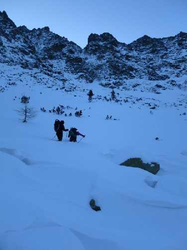 Подходим под Тупую, холодно, лавиноопасно