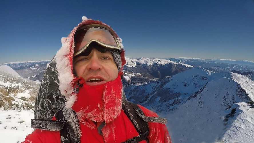 Виталий Пиддубняк в зимнем одиночном походе по Румынским Карпатам