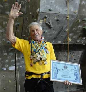 80-летний киевлянин установил рекорд Украины в скалолазании!
