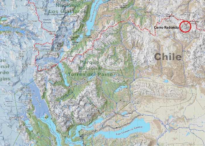 массив Сьерра-де-Лос-Багуалес, горная цепь к северо-востоку от национального парка Торрес-дель-Пайне (Torres del Paine. гора Серро Редондо (Cerro Redondo)