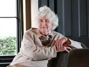 В возрасте 94 лет скончалась Ян Моррис - последний из членов исторической британской экспедиции на Эверест 1953 года