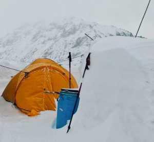Пакистанско-Исландская зимняя экспедиция на К2: снег замедляет продвижение к базовому лагерю