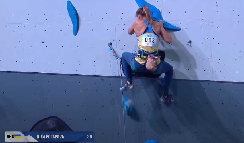 Ника Попапова в квалификации Чемпионата Европы по скалолазанию в Москве