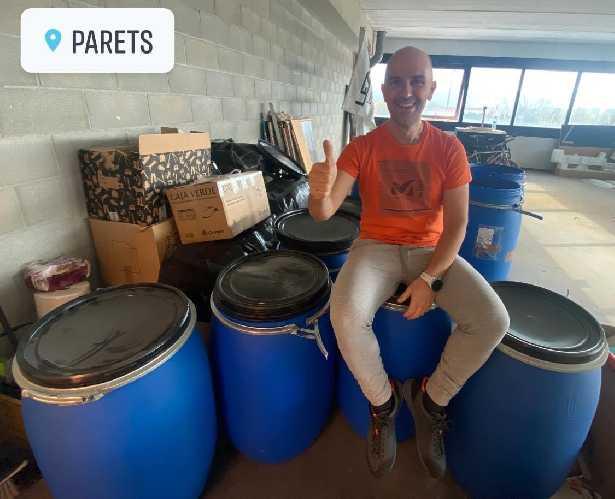 Сержи и Карлос передали с помощью фонда ONAT в Пакистан более 300 килограмм материальной помощи: одежду, обувь. спортивное и горное снаряжение и  т.д.