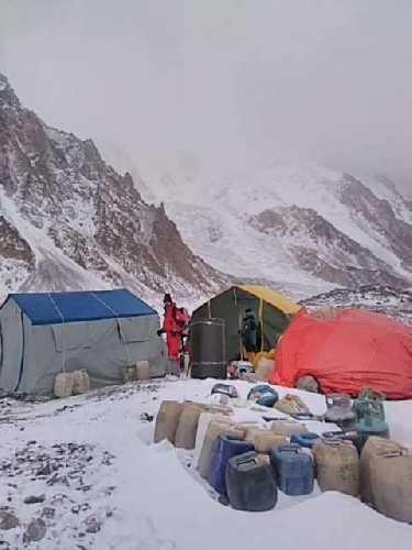 Базовый лагерь пакистанско-исландской команды у восьмитысячника К2. 5 декабря 2020 года