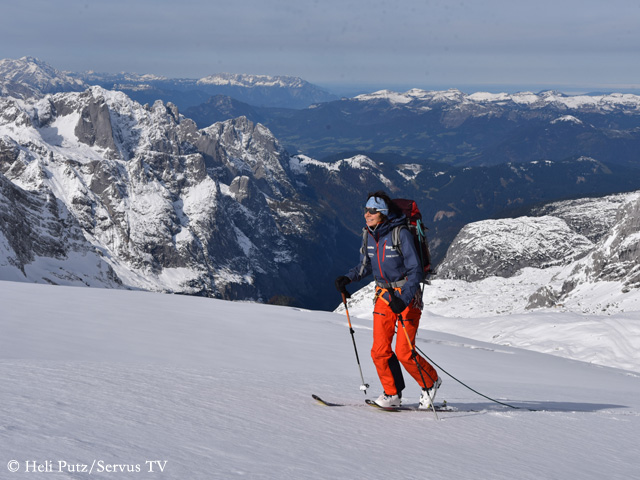 Герлинде Кальтенбруннер (Gerlinde Kaltenbrunner) во время катания на горных лыжах