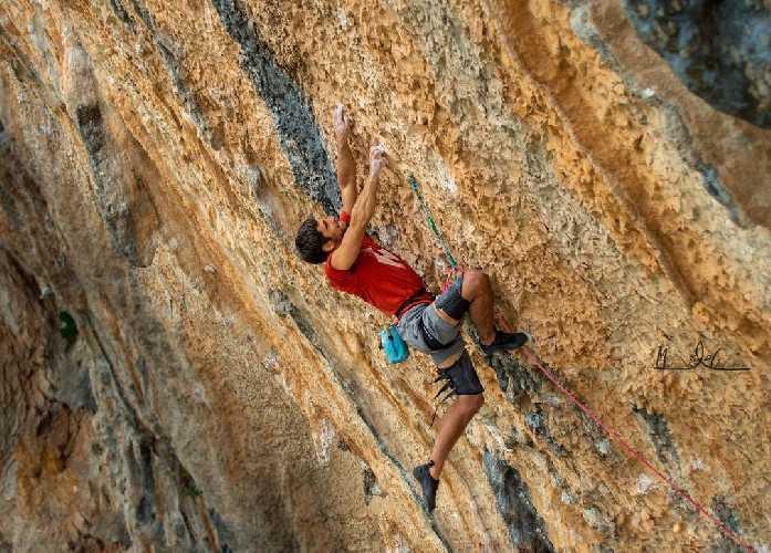 """Джонатан Флёр (Jonatan Flor) на маршруте """"La planta de Shiva"""" категории 9b"""