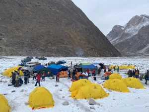 На джипах по леднику Балторо: команда SST впервые использовала джипы на треккинге к базовому лагерю восьмитысячника К2