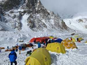 Караван международной экспедиции Seven Summit Treks прибыл в базовый лагерь восьмитысячника К2